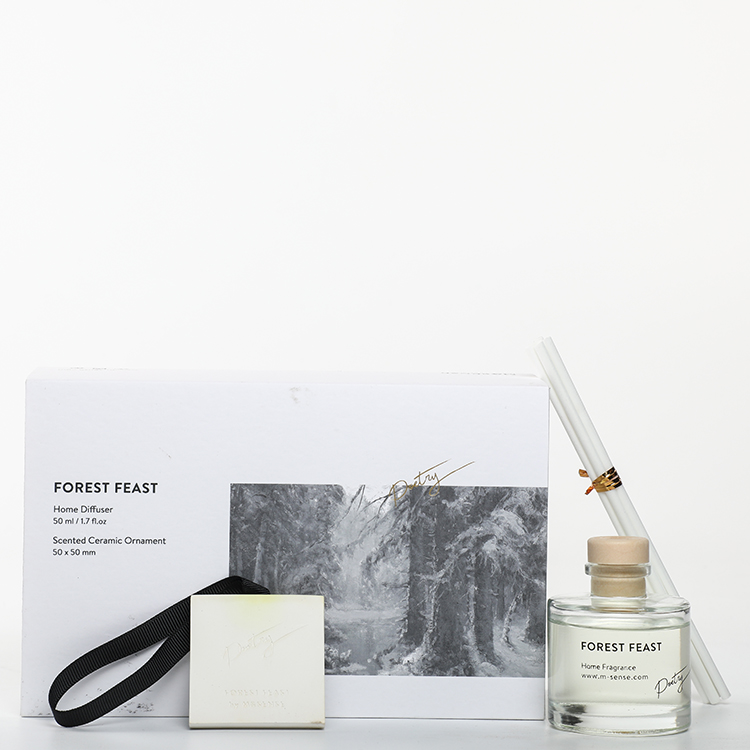 Sound of Wind Collection Forest Feast 320g Scented Clay And 50ml Reed Diffuser Gift Set